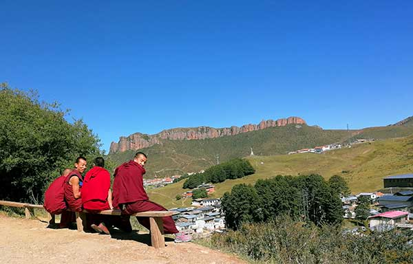 6 days Gansu tour to Binglingsi, Xiahe and Langmusi