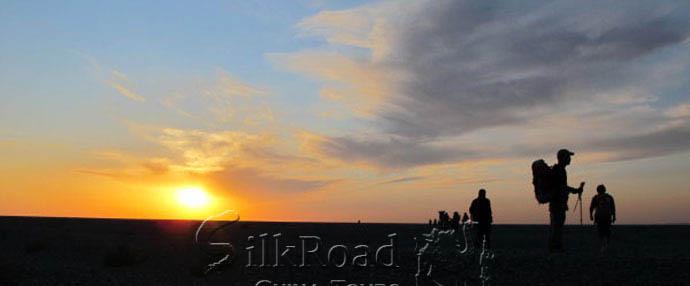 5 Days Dunhuang Desert Hiking Tour